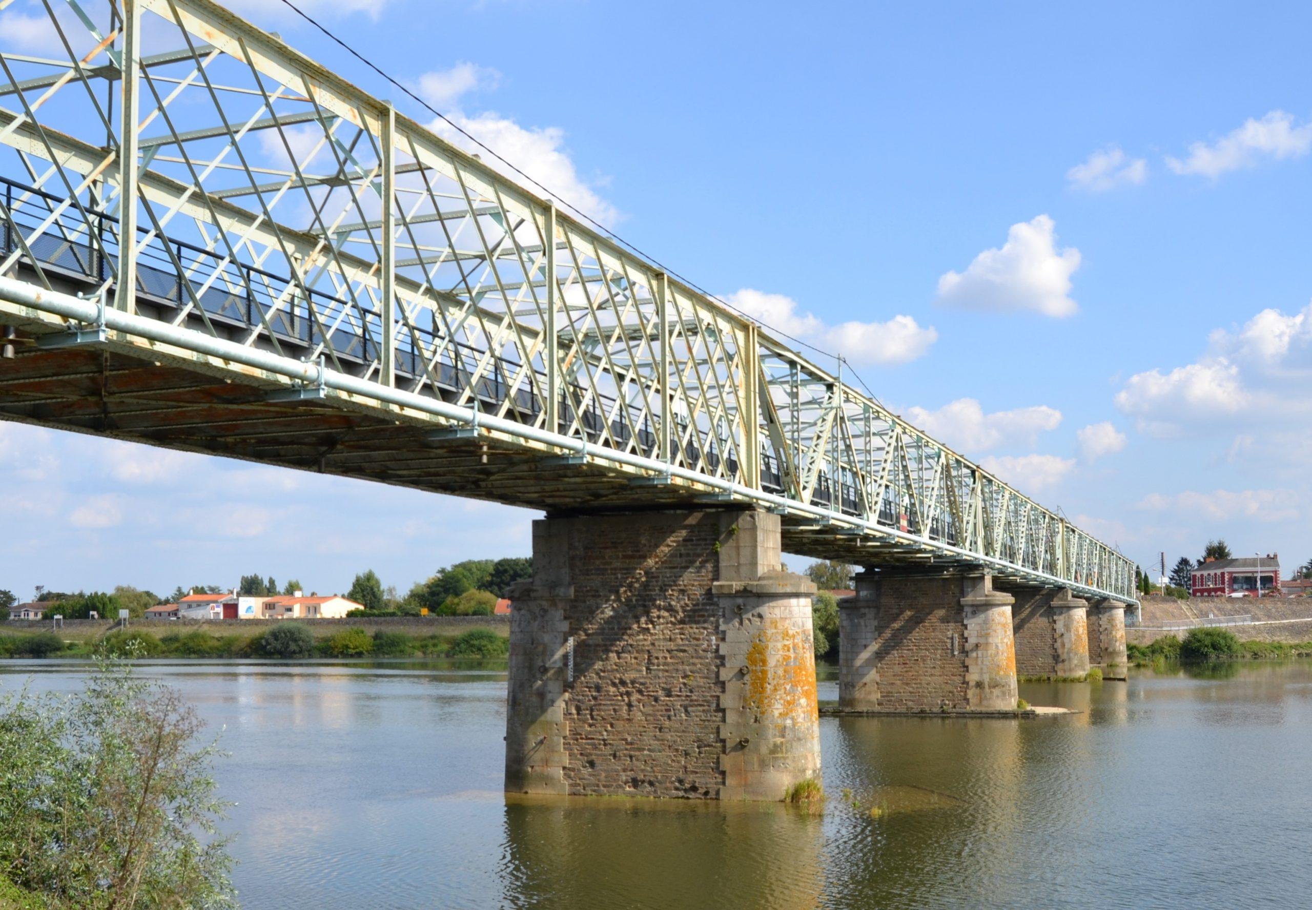 Pont_sud_de_Thouaré-sur-Loire