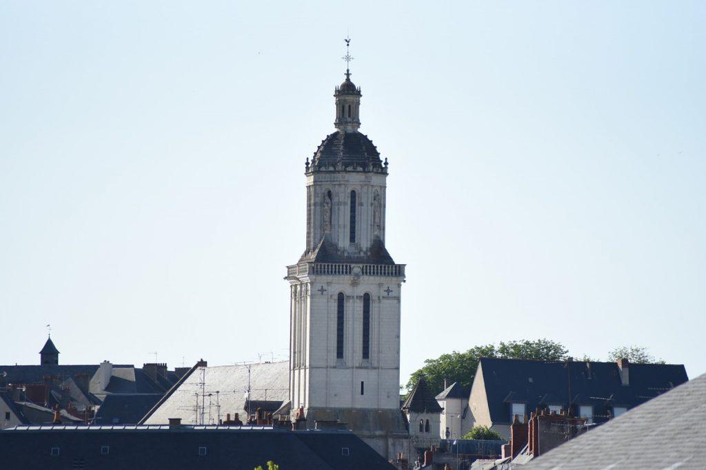 appartement a vendre-vue de la cathédrale d'angers